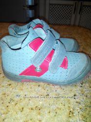 Деми ботиночки  для мальчика 25 размер