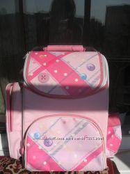 Рюкзак с ортопедической спинкой для девочки.