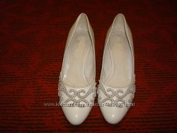 Туфли белые р. 37