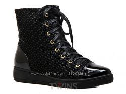 Кожаные замшевые теплые зимние ботинки на низком ходу