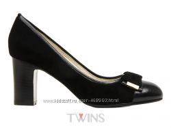 Замшевые черные женские туфли на каблуке