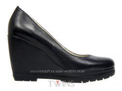 Кожаные женские туфли на танкетке платорме купить Крым