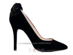 Замшевые черные вечерние туфли на шпильке