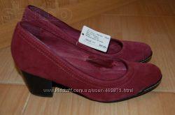Новые замшевые туфли Monarch - 37р.