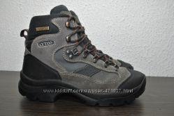 Продам треккинговые ботинки LytosHydor-Tex 39р