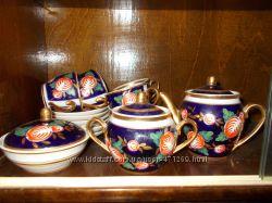 Продам фарфоровый сервиз, чайные пары, блюдца