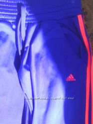Укороченые спортивные штаны . Adidas