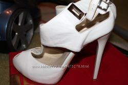 белые летние туфельки