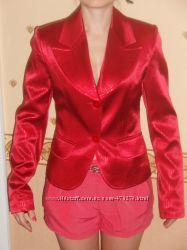 продам пиджак красного цвета