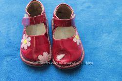 Продам туфельки для малышки