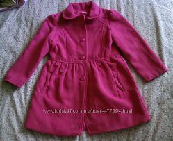 Модное пальто для малышки на рост 122 см.