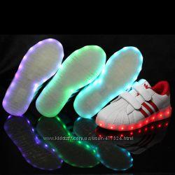 Кроссовки с подсветкой подросток