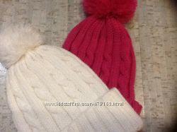 шапки с бубоном малиновая и белая
