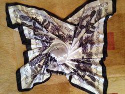 Платок нежный 87х85 модные огурцы