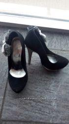 Очень красивые туфельки для дюймовочки 35р.