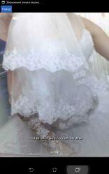 продам красивое белое свадебное платье эксклюзивное  фата и Круги
