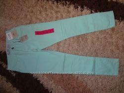 Стильные джинсы Примарк в наличии