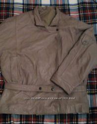 Женская кожаная курточка