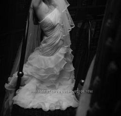 Дуже ніжна та витончена весільна сукня