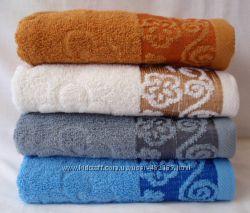 Махровые полотенца банные и лицевые.
