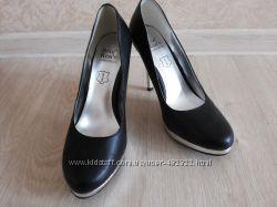 Туфли новые 24. 5 см