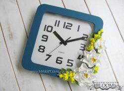Часы настенные IKEA декорированы цветами