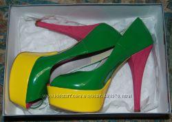 Стильные туфли на шпильке Италия