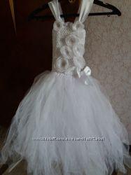 Нарядное праздничное платье.