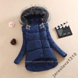Теплая куртка пуховик с камнями