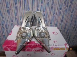 Продам женские туфли и босоножки