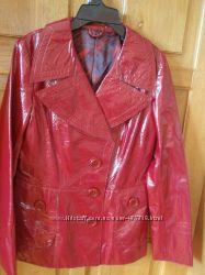 Курточка из лаккожи