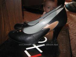 Кожаные туфли Fellini 38 размер 25 см