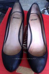 Женские кожанные туфли Bronx