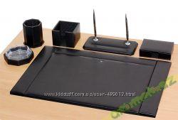 Продам кожаный набор для офисного стола