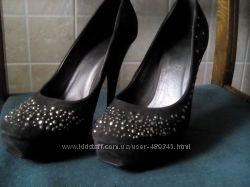 Замшеві сірі туфлі
