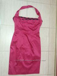 Малиновое атласное платье