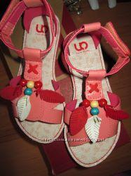 Новые сандалии для красотки