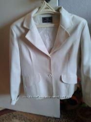 пиджак белый кожзам 46-48 размер