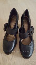 Clarks туфли кожа женские р 5 или 38р, каблук 8 см