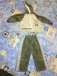Велюровый спортивный костюм, 92 рост.