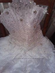 Свадебное платье, в хорошем состоянии.