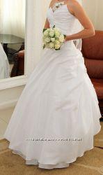 Свадебное белоснежное платье, бесплатная доставка по Броварам, к м. Лесная