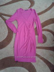 Теплое, яркое платье Oodji