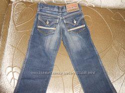 Моднявые джинсы DIESEL оригинал на 98-104см