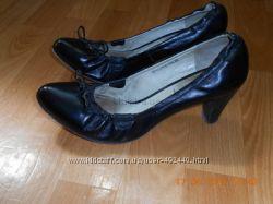 Кожаные туфли от известного бренда ELCHE 39р.