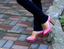 Продам туфли на каблуке под замшу марки H&M