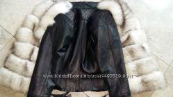 Куртка стеганная с мехом песца в наличии