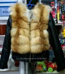 Куртка стеганная с мехом лисы в наличии
