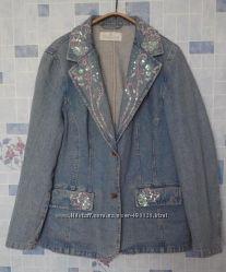 джинсовый женский пиджак с вышивкой и паетками, 50 размер