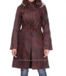 Красивое новое демисезонное пальто из натуральной кожи